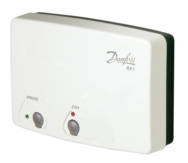 gdzie łączenie przewodami termostatu z innymi regulatorami w układzie jest trudne bądź niemożliwe. Odbiornik współpracujący z jednym termostatem