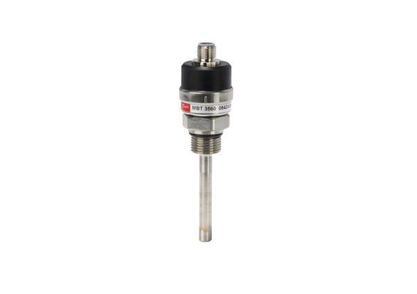 uzyskano niewielki czujnik temperatury z wbudowanym przetwornikiem sygnału. MBT 3560 może być stosowany w trudnych warunkach przemysłowych. Oferta obejmuje także wersje z przedłużoną obudową